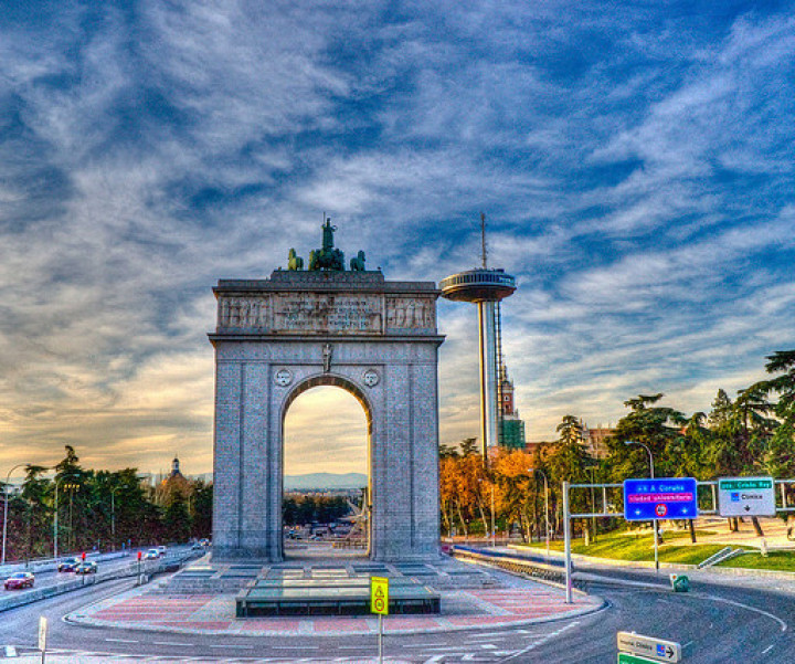 Plaza de la Villa. Madrid. Visitas guiadas en grupo. Madridculturetour.